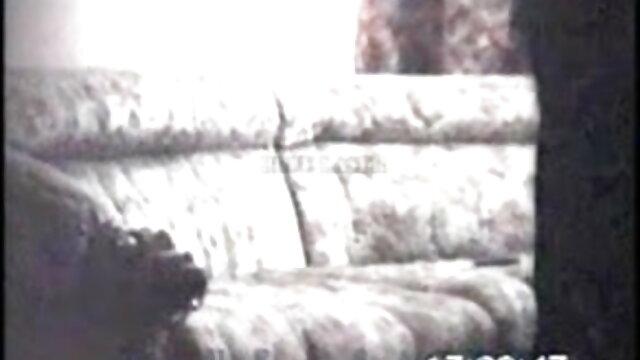 છોકરી ના મોઢા માં એચડી બીપી વીડીયો સેકસી નાખી પાણીની