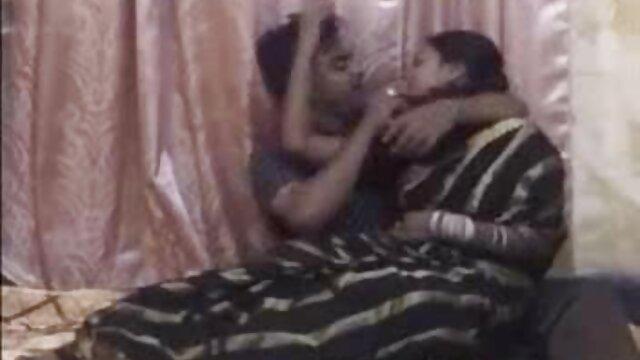 ટ્રેનર ગુજરાતી સેકસી વીડીયો બતાવો યોગ ripped leggings છોકરી નથી અનુભવી પછી વર્કઆઉટ