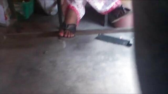 પગ થી સેક્સ માટે ઉત્તેજીત કરવું