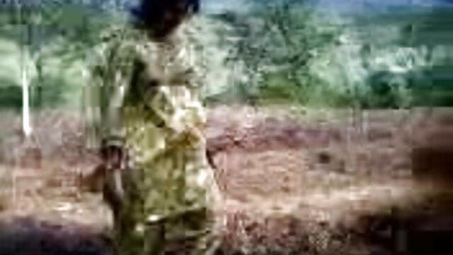 Fucked સેકસી વીડીયો વીડીયો સામે એક સ્ત્રી, તે માટે આંગળી પોતાની જાતને વાહિયાત જાતે