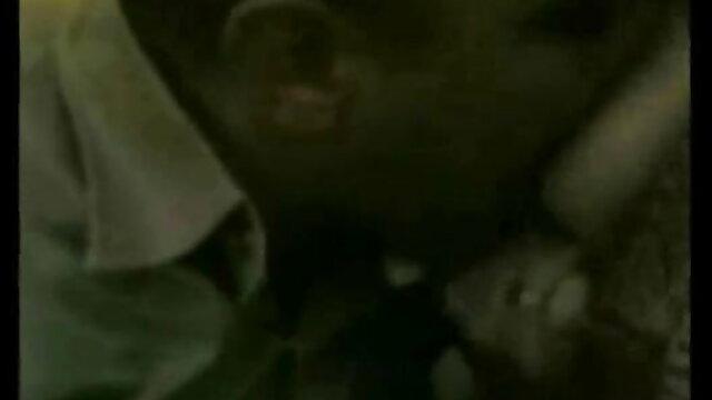 19 વર્ષ જૂના સેકસી વીડીયા બીપી છોકરી ચીડવવું સાથે જાંઘિયો માંથી હેઠળ તેના સ્કર્ટ